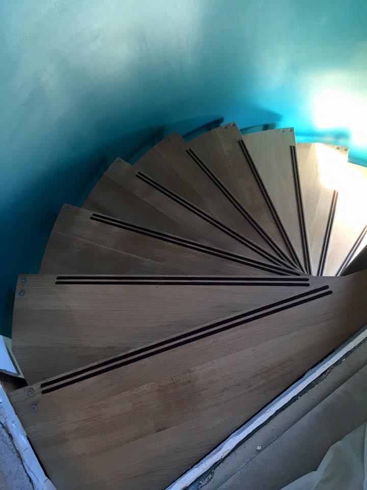 Escalier acier bois colimaçon