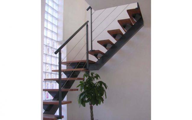 Escalier bois/acier, escalier contemporain en Alsace, escalier design en Alsace