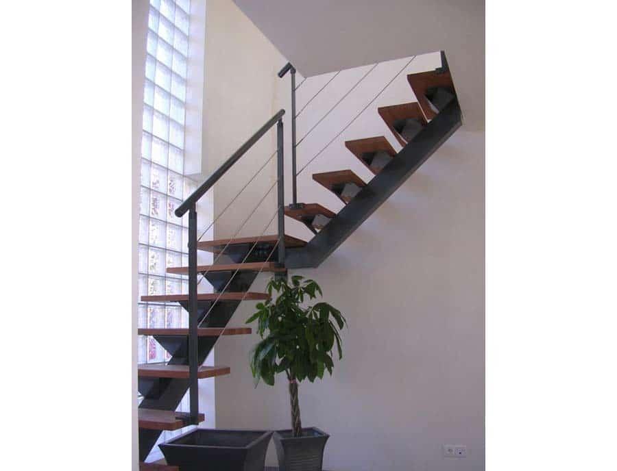 escalier contemporain et design en bois et acier en alsace. Black Bedroom Furniture Sets. Home Design Ideas