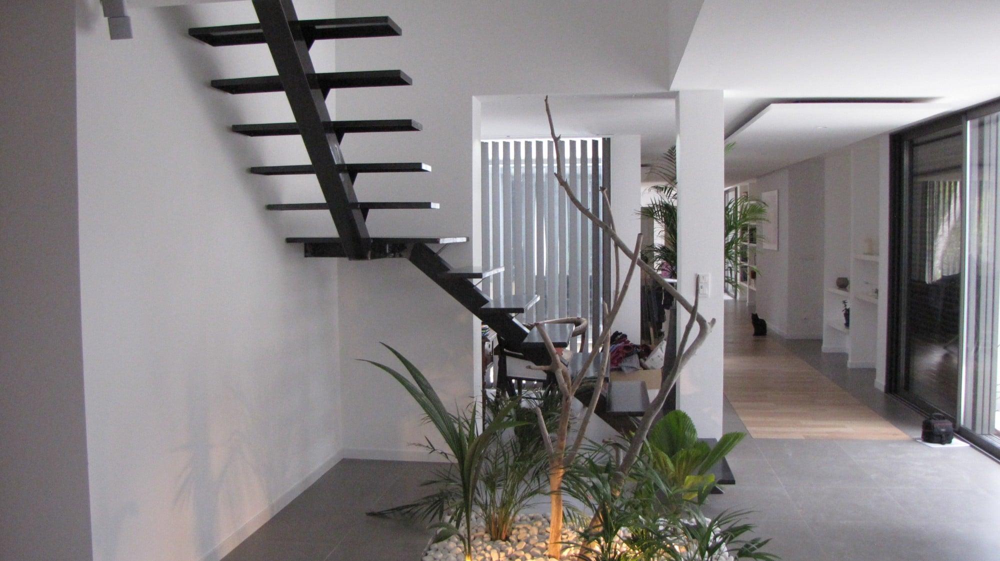 escalier tournant limon central escalier jacoby. Black Bedroom Furniture Sets. Home Design Ideas