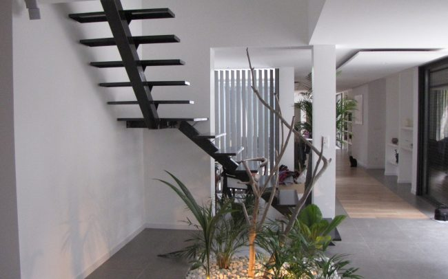 escalier à limon central en Alsace, escalier contemporain en Alsace