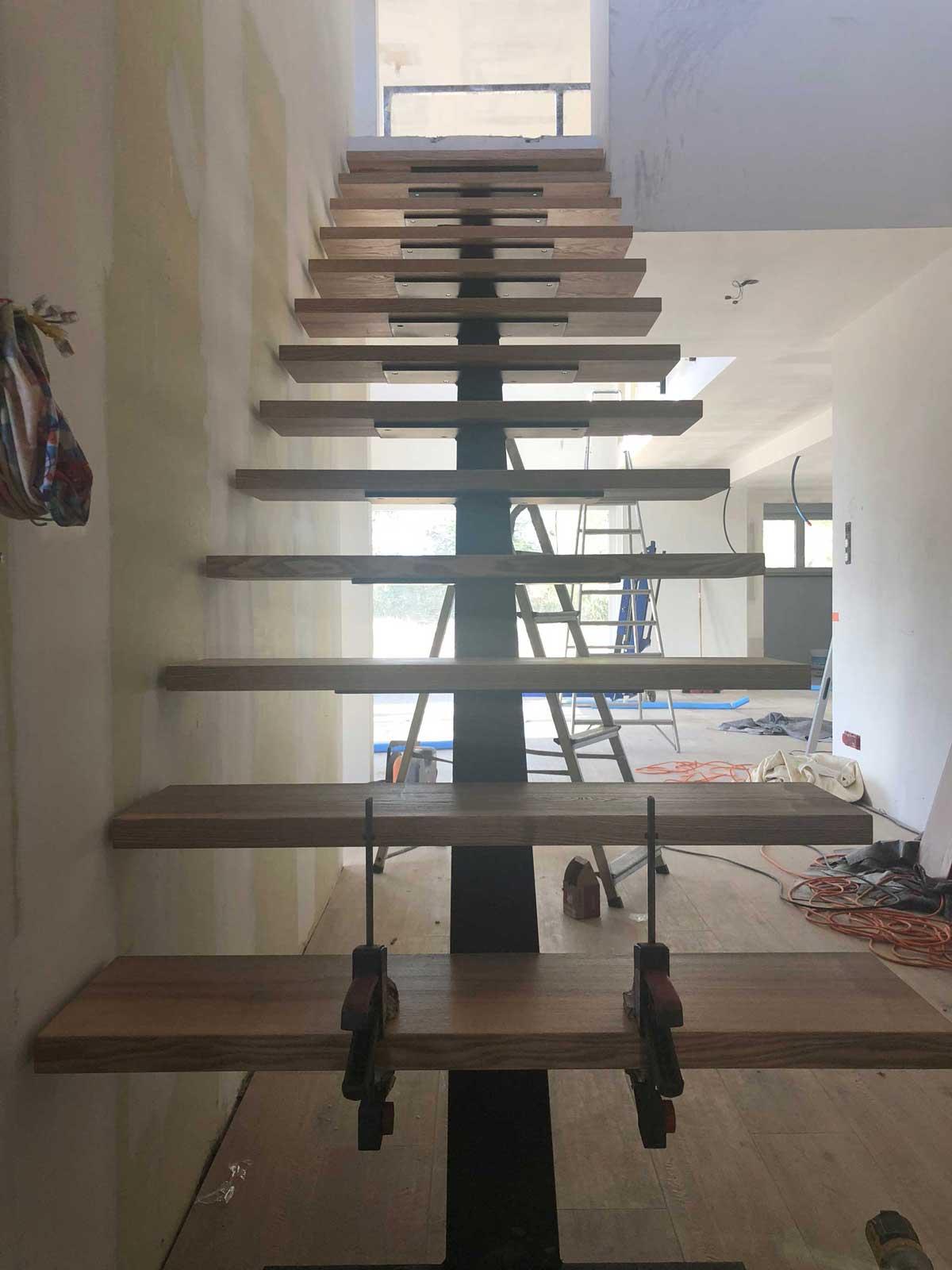 Création escalier design acier - acier/bois sur mesure. Escaliers Jacoby